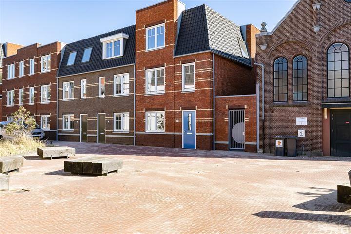 Helmstraat 7 A