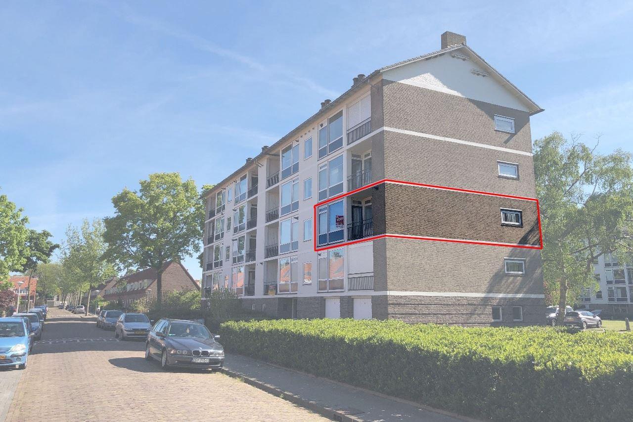 Bekijk foto 1 van Simon van Leeuwenstraat 6