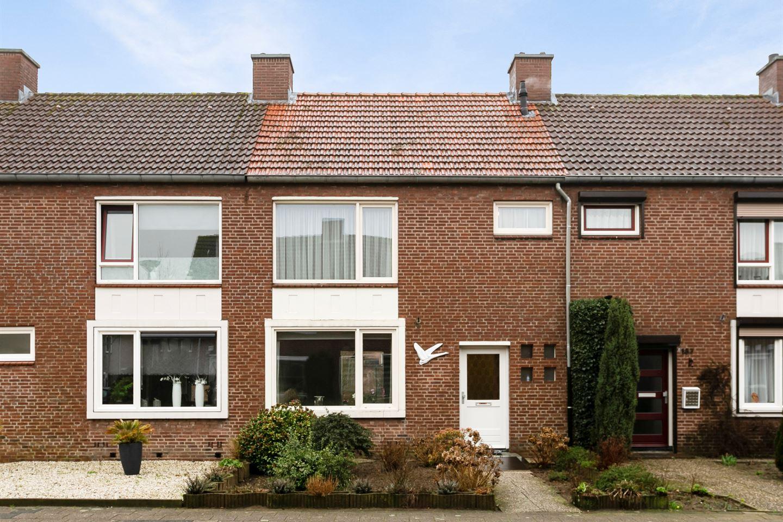 Bekijk foto 1 van Langeweg 189
