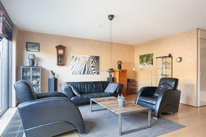 Bekijk foto 2 van Mendelssohnstraat 77