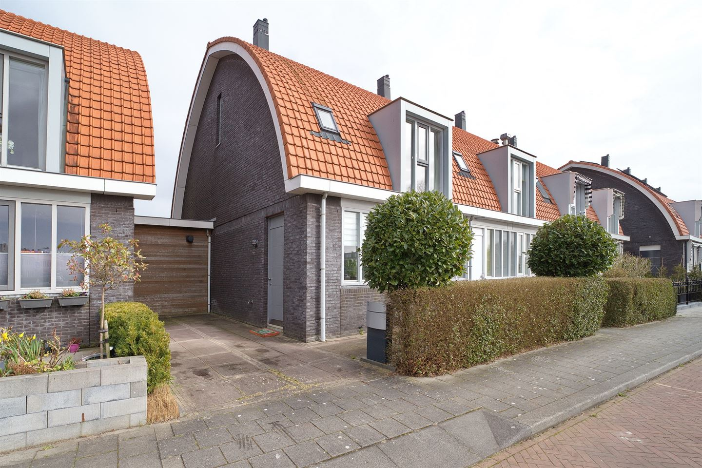Bekijk foto 1 van Van der Stoklaan 47