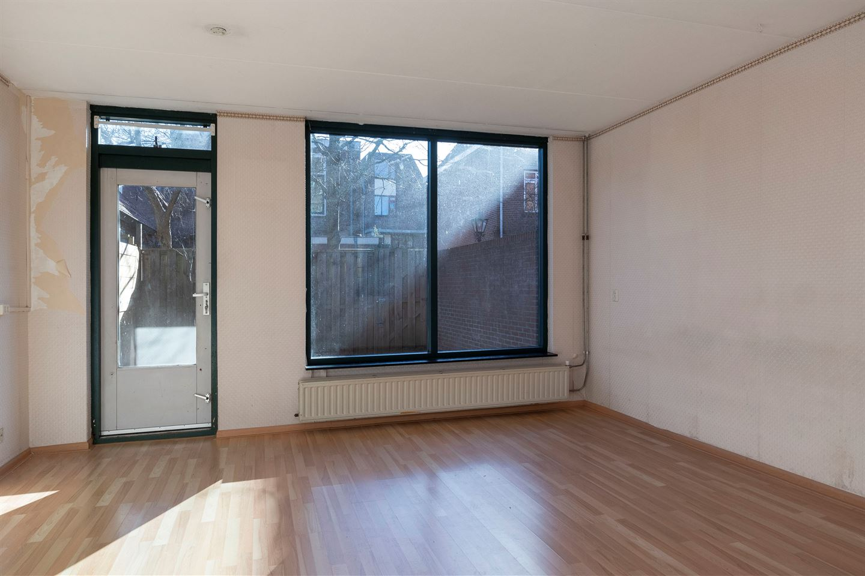 View photo 2 of Van der Lubbehof 33