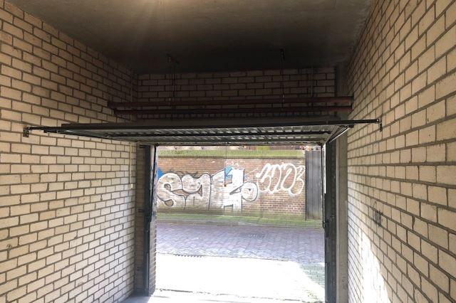Bekijk foto 3 van Kwekerijstraat garage