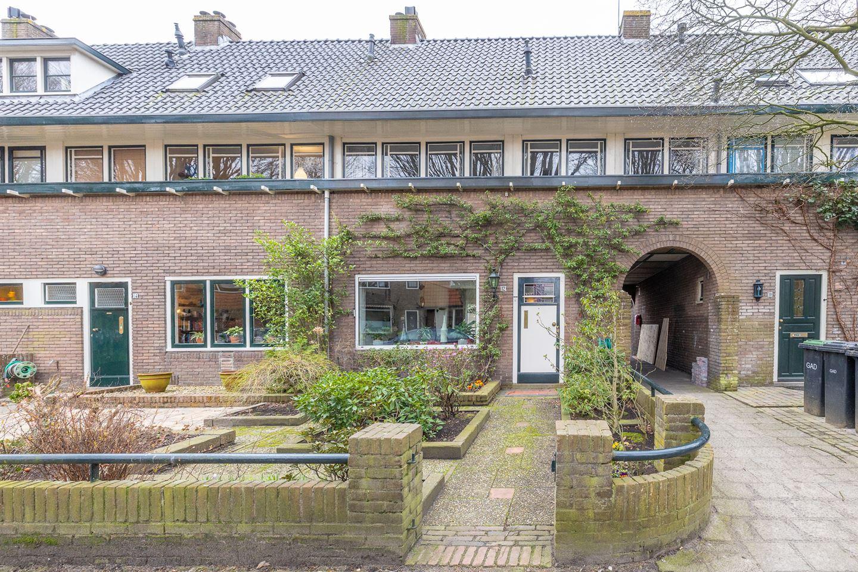 Bekijk foto 1 van De Bazelstraat 12