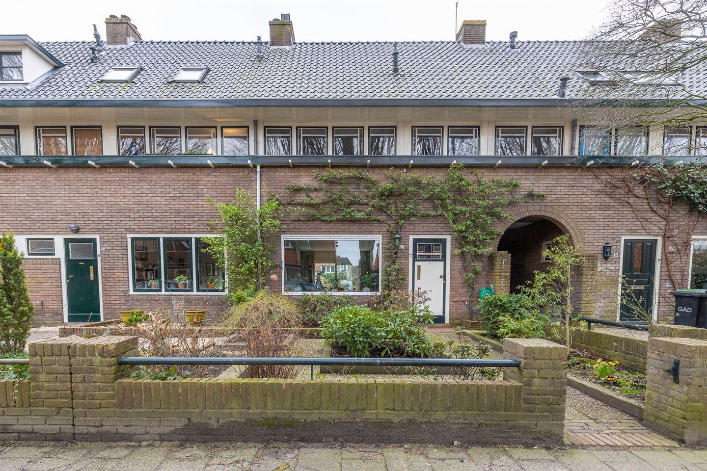 Bekijk foto 3 van De Bazelstraat 12