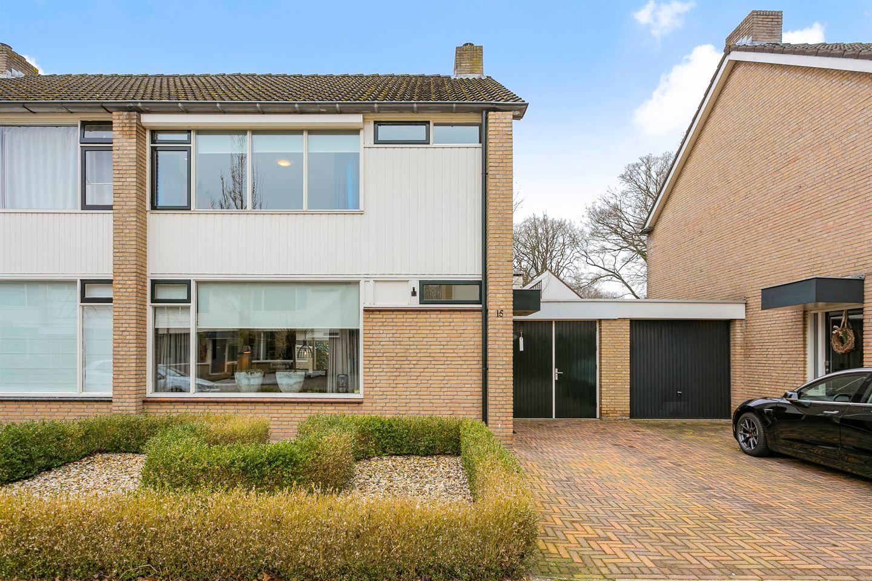 Bekijk foto 5 van Robijnstraat 15