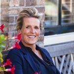 Jacqueline Avezaat - Directeur
