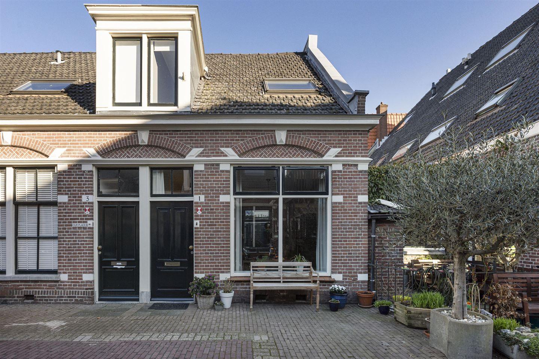 Bekijk foto 1 van Piet Heinstraat 1