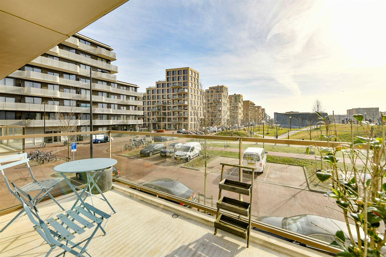 Bekijk foto 2 van Rie Mastenbroekstraat 17