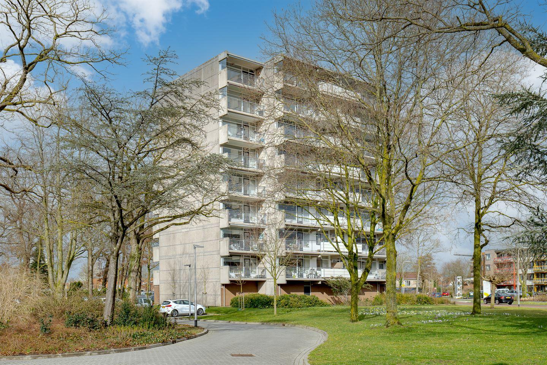 View photo 2 of Breitnerhof 56