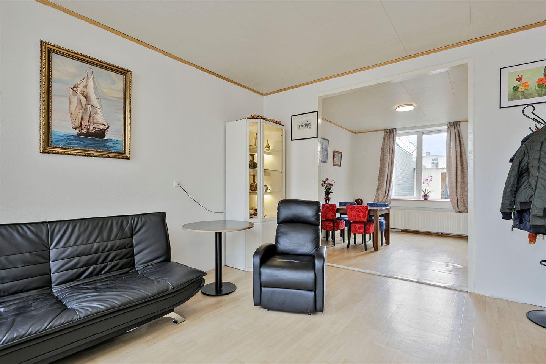 View photo 3 of Oranjestraat 30