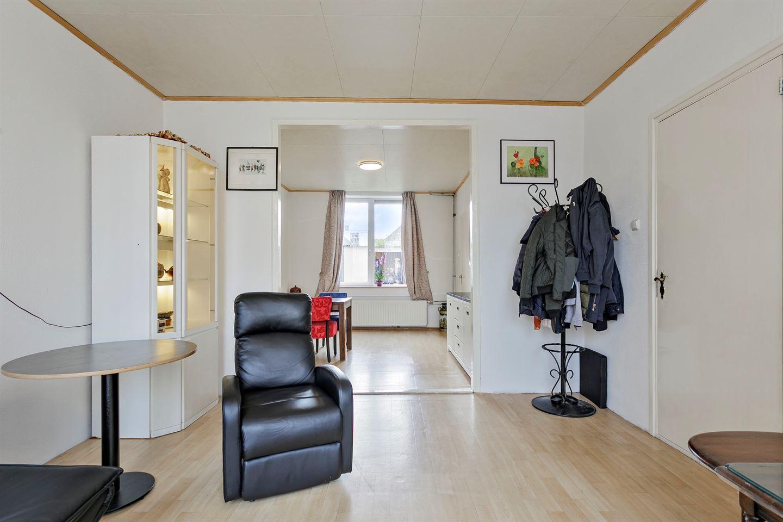 View photo 4 of Oranjestraat 30