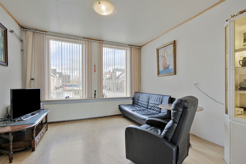 View photo 5 of Oranjestraat 30