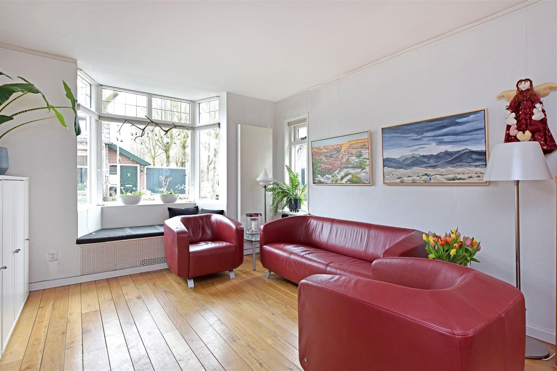 Bekijk foto 2 van van der Muelenstraat 18