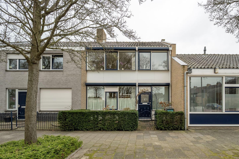 View photo 1 of Oranjestraat 34