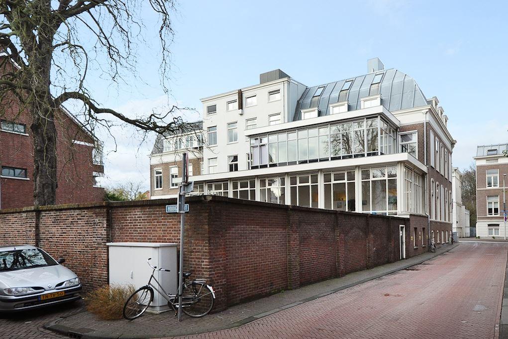 Bekijk foto 3 van Dr. Kuyperstraat 5