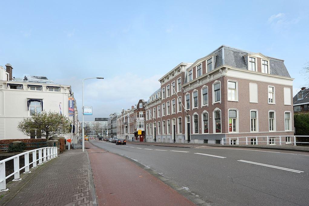 Bekijk foto 2 van Dr. Kuyperstraat 5