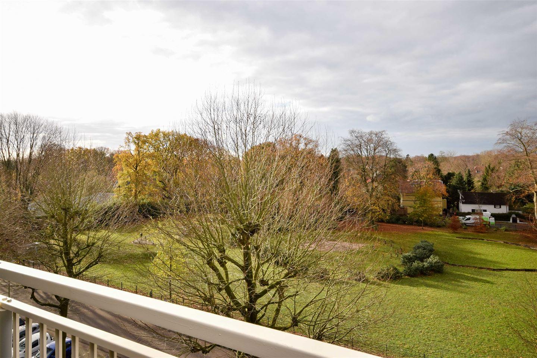 Bekijk foto 2 van Slochterenlaan 86