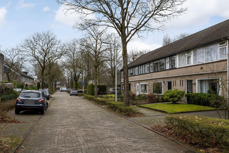 Bekijk foto 2 van Anton van Duinkerkenlaan 4