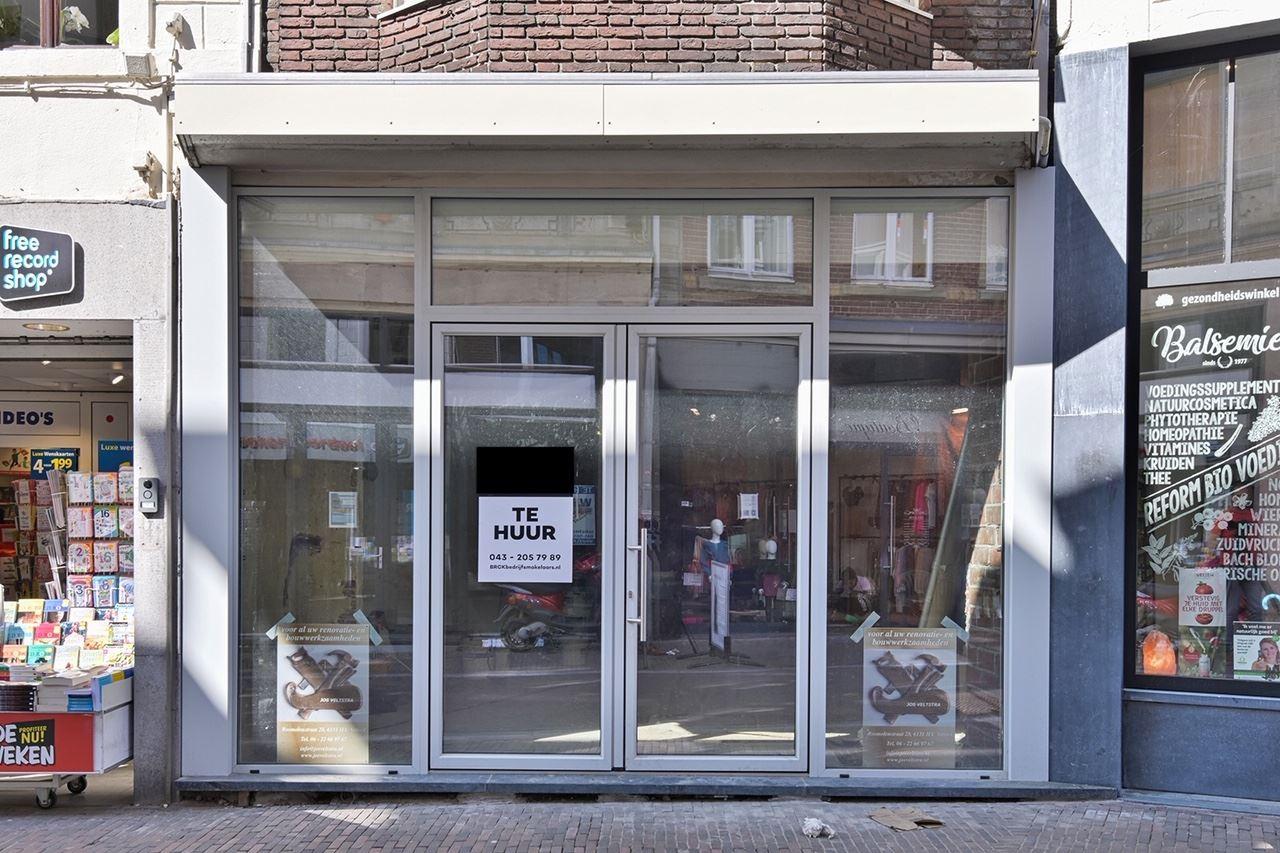Bekijk foto 1 van Limbrichterstraat 11