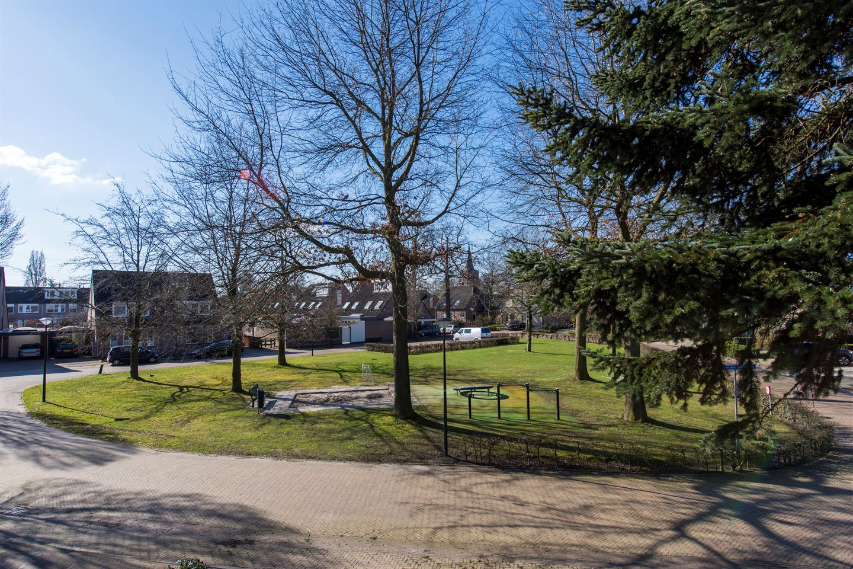 Bekijk foto 3 van Burg. Van den Oeverstraat 30