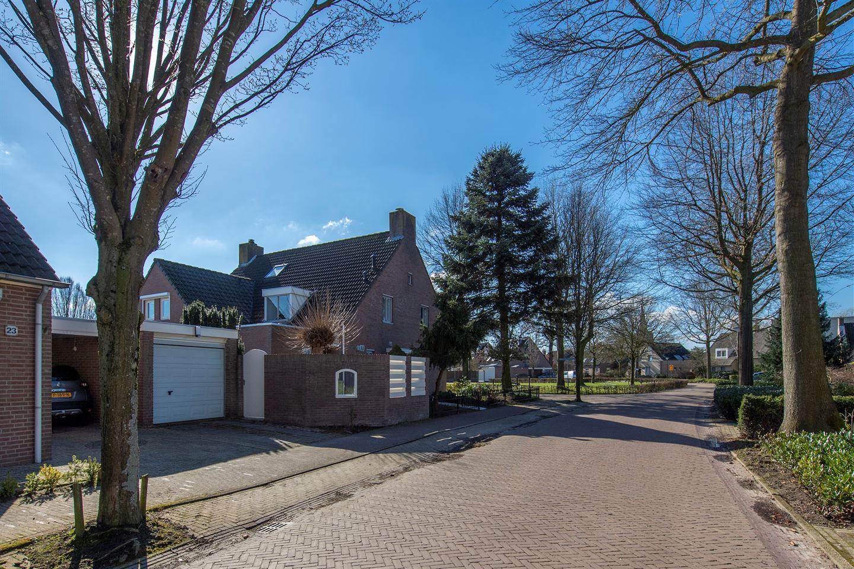 Bekijk foto 4 van Burg. Van den Oeverstraat 30