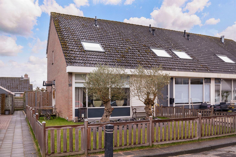 Bekijk foto 1 van Van Ommenstraat 18