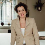 Sylvia van Oostrum - NVM-makelaar (directeur)