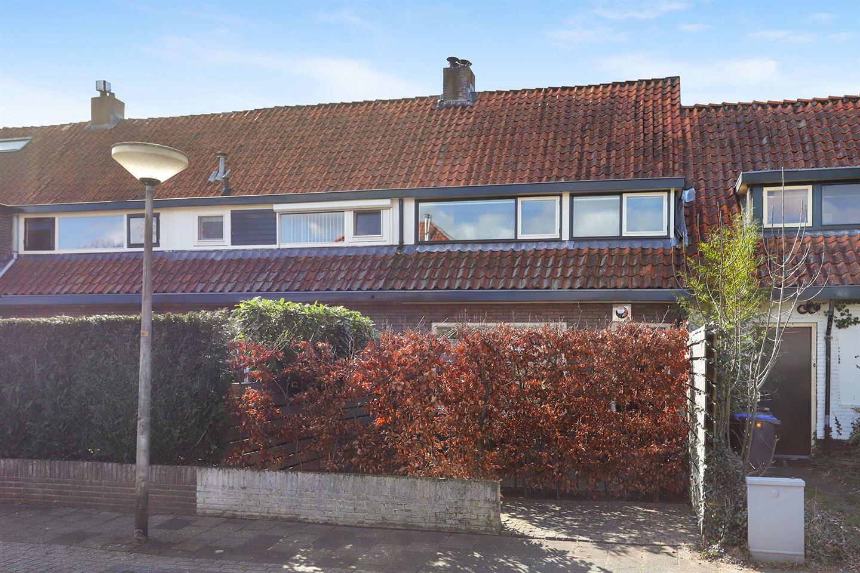Bekijk foto 1 van E. de Bruynstraat 46