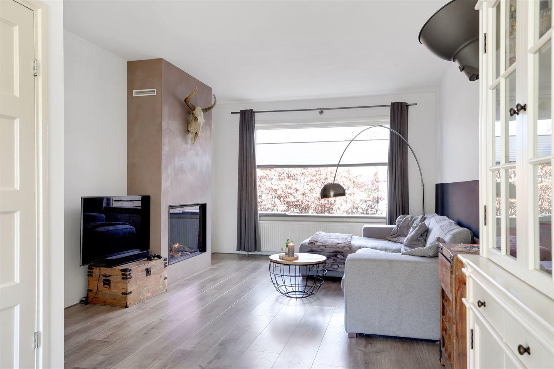 Bekijk foto 2 van E. de Bruynstraat 46