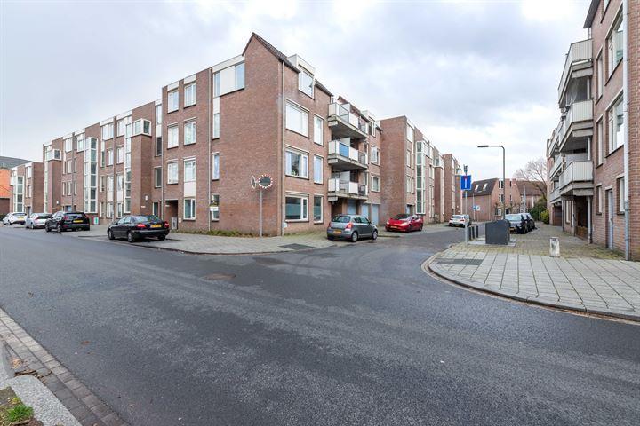 Meijer van Leeuwenstraat 55