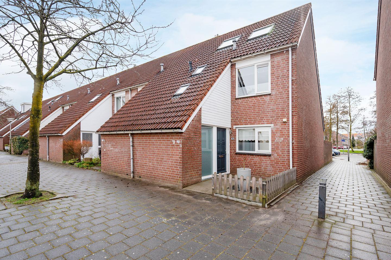View photo 1 of Suze Groenewegstraat 29