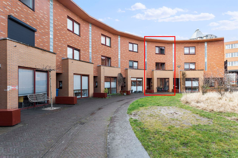 Bekijk foto 2 van Jan van Nuijshof 17