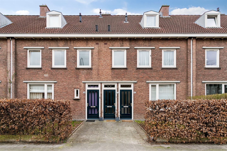 Bekijk foto 1 van Petrus Dondersstraat 102