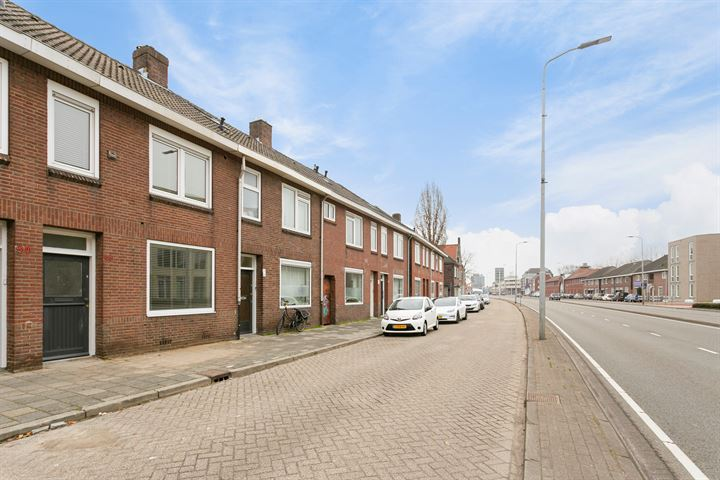 Kronehoefstraat 64