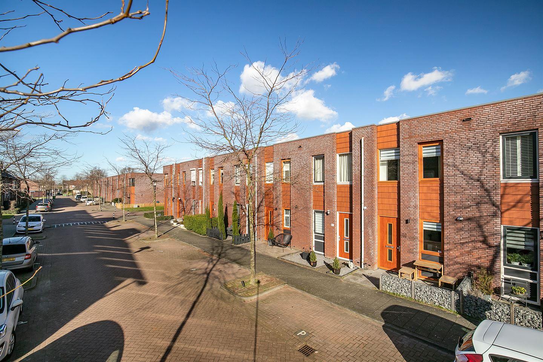 Bekijk foto 2 van Opper Van Treurenstraat 48