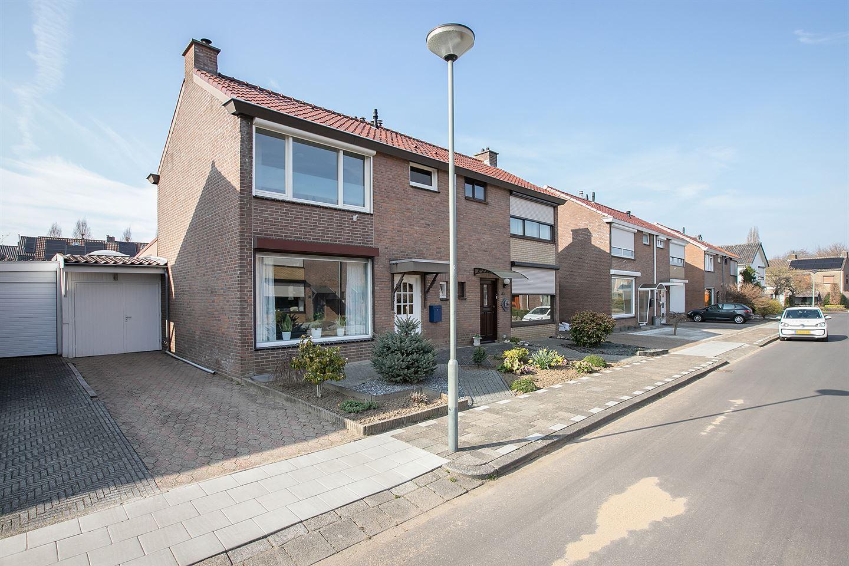 Bekijk foto 1 van Const Huygensstraat 31