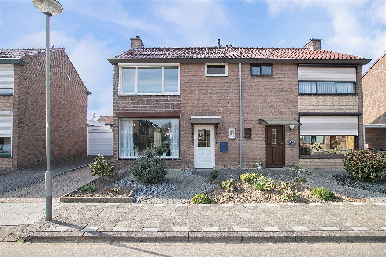 Bekijk foto 2 van Const Huygensstraat 31