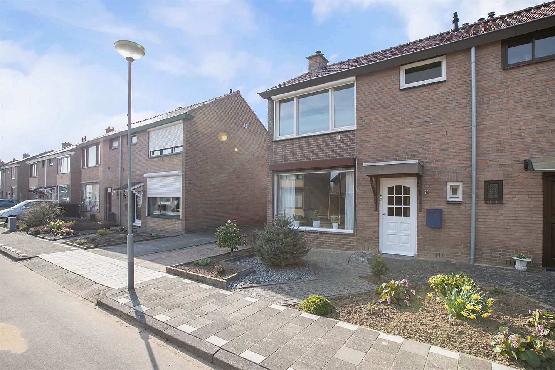 Bekijk foto 3 van Const Huygensstraat 31