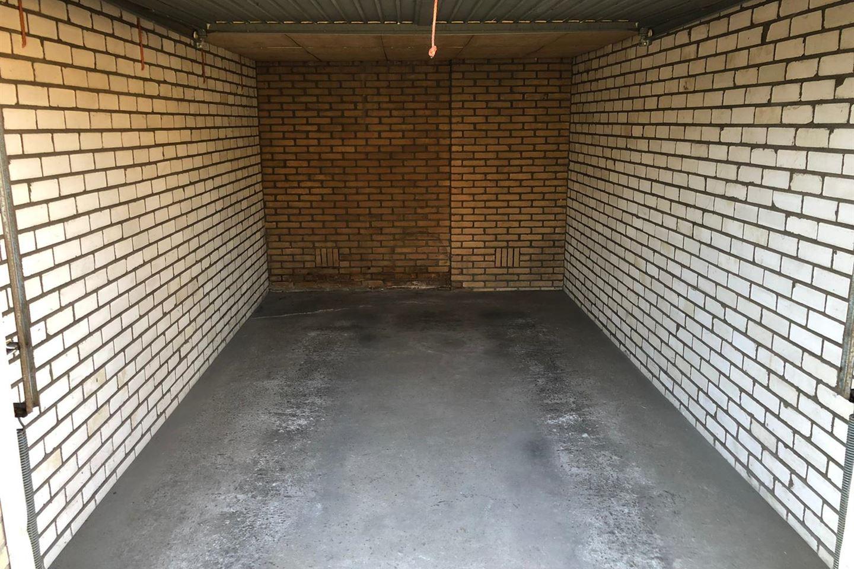 Bekijk foto 2 van Pollux garage 8008