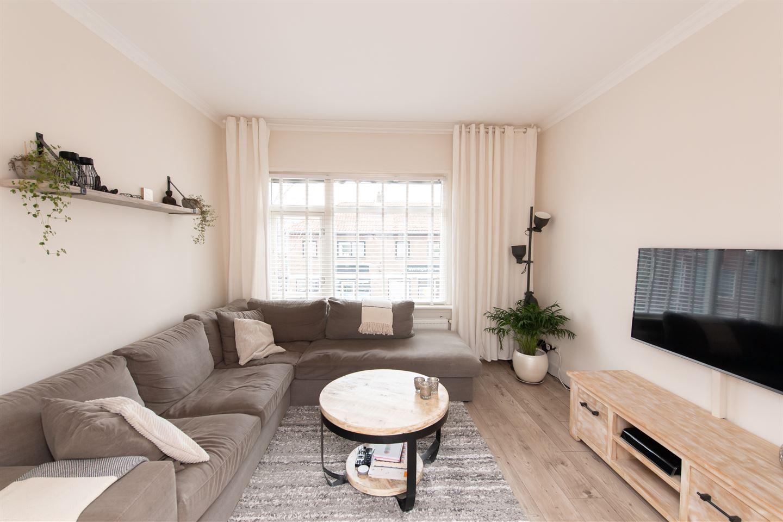 Bekijk foto 4 van Bloemhofstraat 38