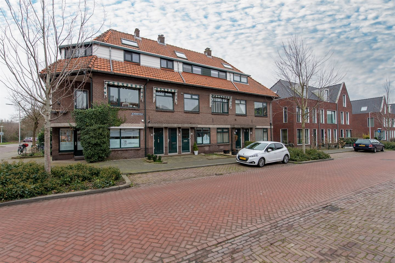 Bekijk foto 1 van Bloemhofstraat 38