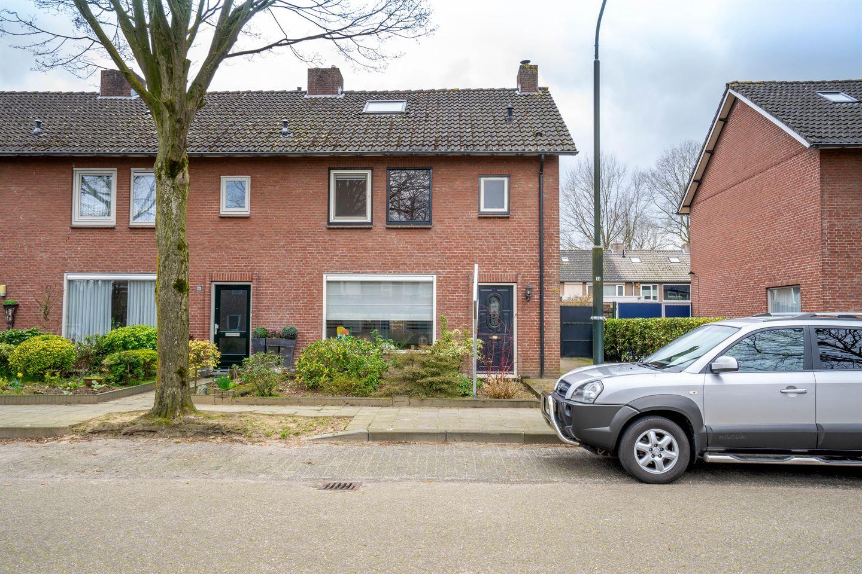 Bekijk foto 1 van Wilgenroosstraat 18