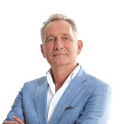 Hugo Finkers - Makelaar (directeur)