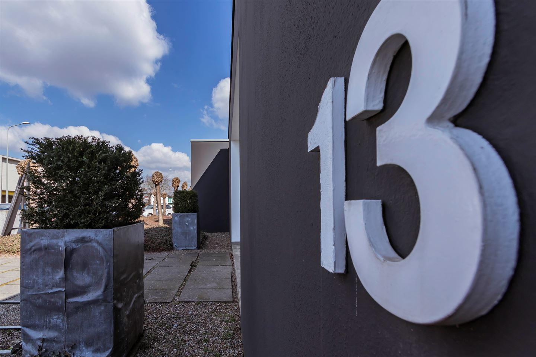 Bekijk foto 2 van Fort Willemweg 13 -15
