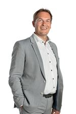 L.A.J. Weusthuis (Luc) (NVM real estate agent (director))