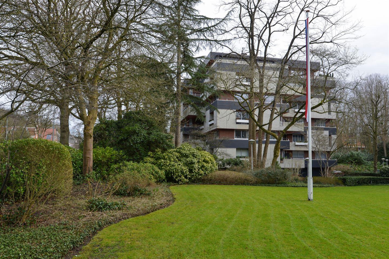 Bekijk foto 2 van Schuttersweg 86