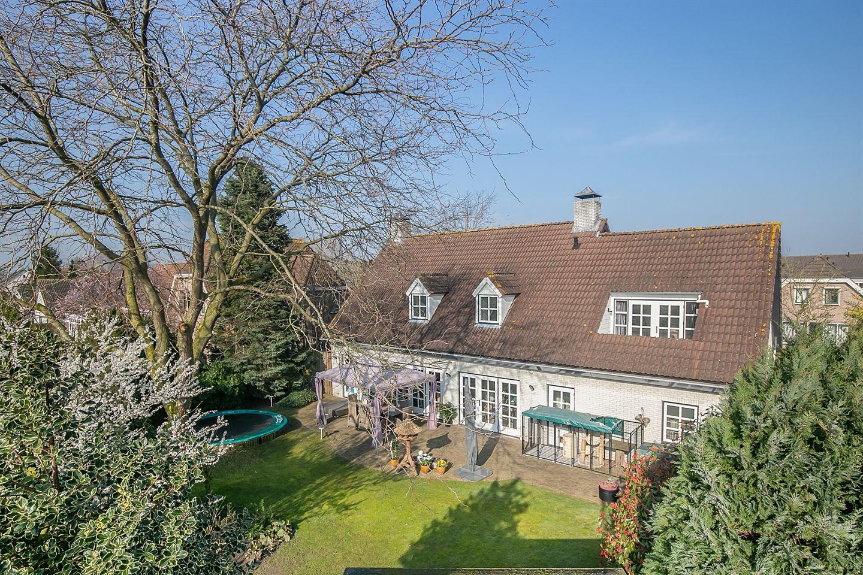 View photo 2 of Esdoornlaan 36