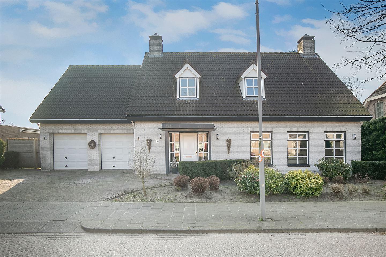 View photo 4 of Esdoornlaan 36