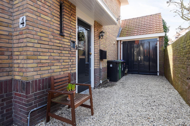 View photo 4 of Den Burghstraat 4
